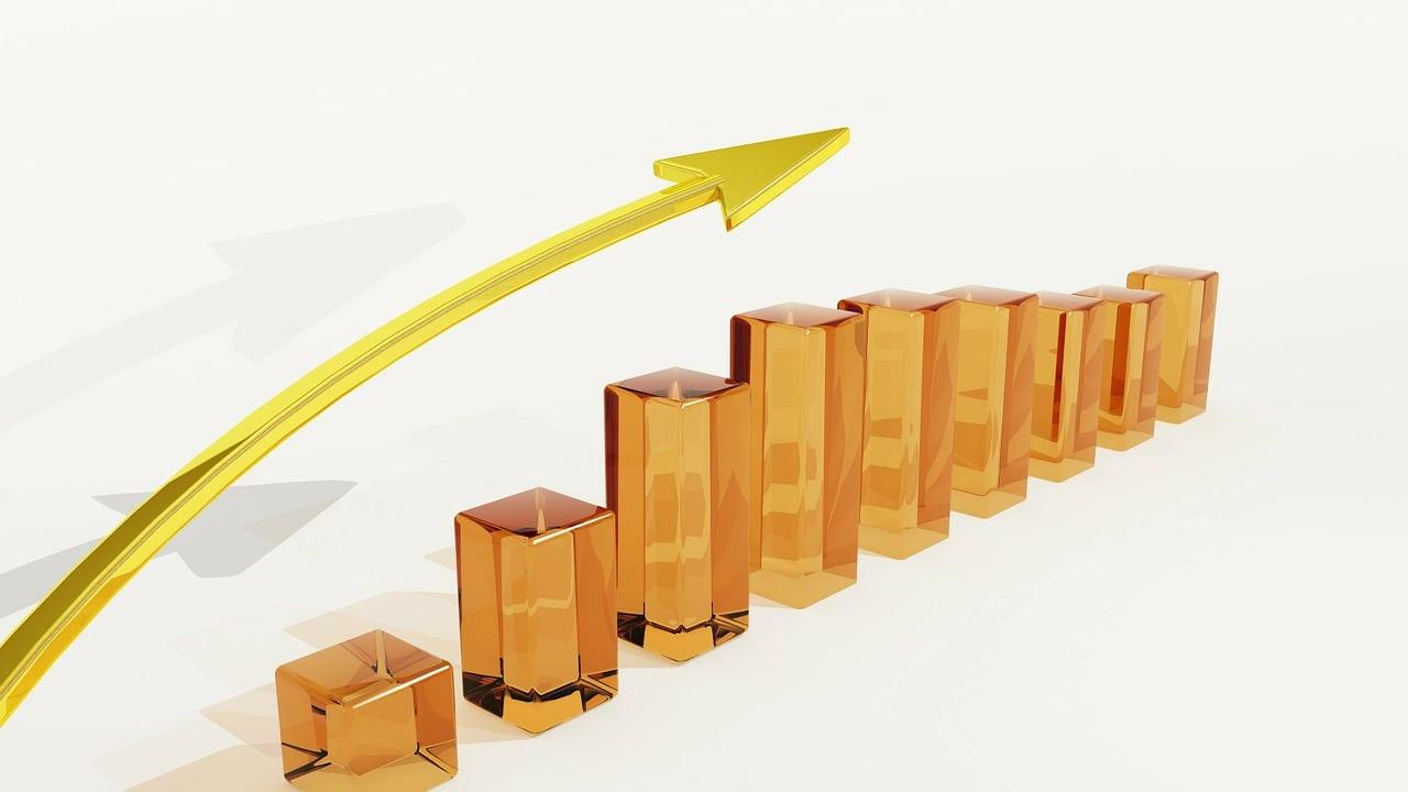 Invoice Factoring vs Merchant Cash Advance